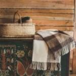Šilti pledai – puiki interjero dekoro detalė