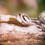 Kas turi pasirūpinti vestuviniais žiedais, vyras ar moteris?